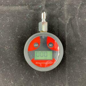 Digitales Mitteldruckmanometer in Schutzbox (Farbe kann abweichen) 8
